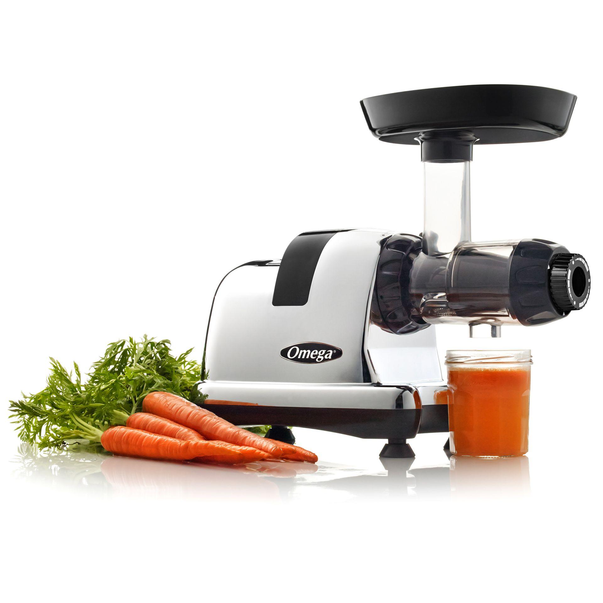 Omega Juicers Horizontal-Entsafter 8228 mit Karottensaft